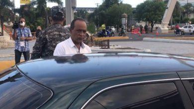 Photo of Detienen supuesto hermano de ministro salud por violar toque de queda
