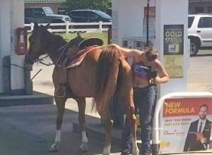 Photo of Gasolina regular sube RD$1.40