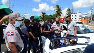 Photo of Policía impide protesta de propietarios de Honda Civic