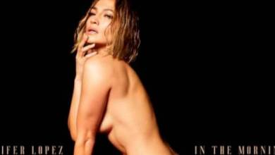 Photo of Jennifer López posa desnuda en Instagram