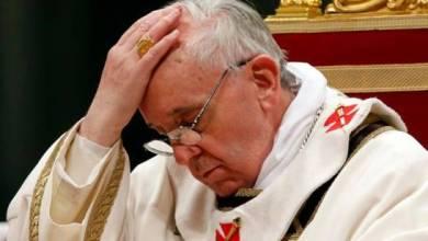 """Photo of El Vaticano investiga el """"me gusta"""" en Instagram de la cuenta del Papa Francisco a modelo brasileña"""
