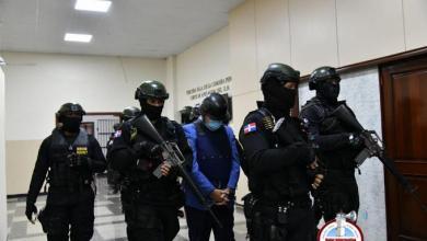 Photo of Alexis Medina se queja porque sólo le permiten estar en el patio de la cárcel de 10 a 15 minutos