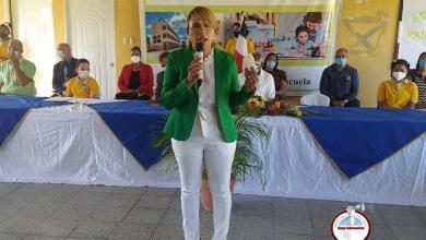 Photo of La niña bonita del gobierno y el PRM que cargó la nómina de Educación de sus familiares
