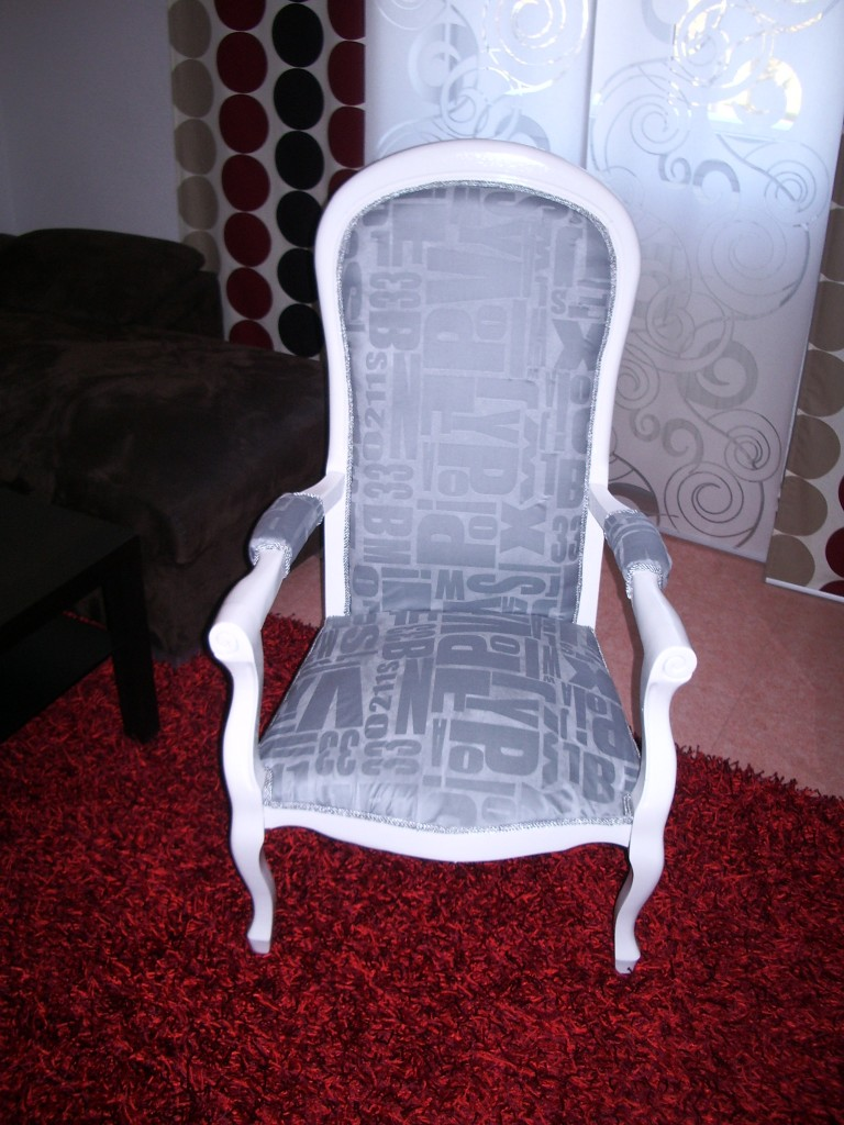 Comment relooker un fauteuil en 6 tapes  Relooker meubles