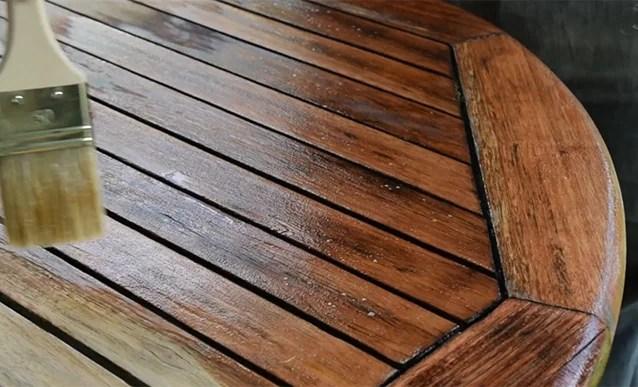 renover une table en bois relooker