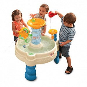 Mesa de juego en Spiralin Water Park & ​​# 39; Seas of Little Tikes