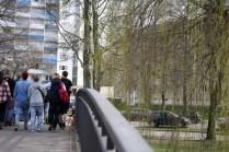 Die Rialtobrücke, an einem Sonntag im April: Menschenauflauf, Gaukler, Gammler und Gauner.