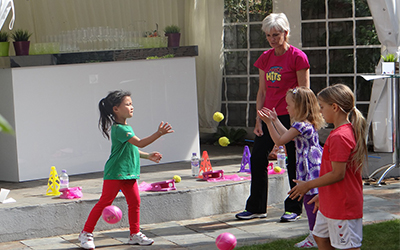 Judy Murray coaching with kids