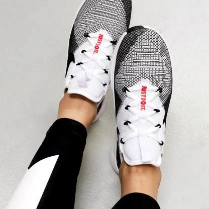 Nike Free TR 8 9