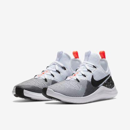 Nike Free TR 8 4