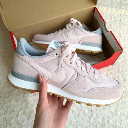 Nike Internationalist - Barely Rose 12