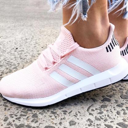 adidas Swift Run Shoes - Icey Pink 10