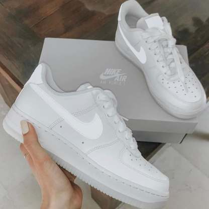 Nike Air Force 1 '07 Shoe - hold details