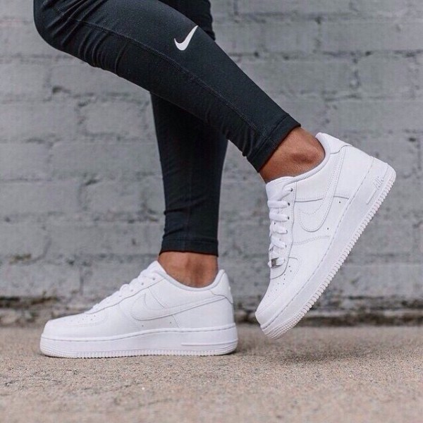 Nike Air Force 1 '07 Shoe - with leggings