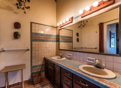 128 CDM BATH ROOM