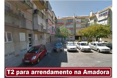 Carlos Pereira REMAX  Action So Domingos de Benfica Lisboa Portugal