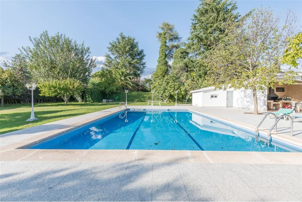 483 Sqm Detached For Sale 10 Bedrooms Located At Valdecabana Boadilla Del Monte Madrid Madrid Spain