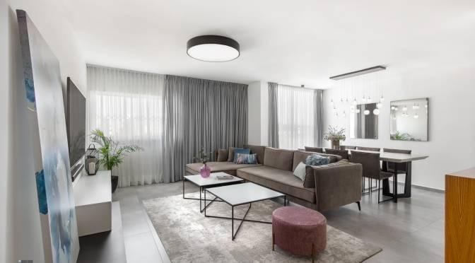 """5 חדרים , 120 מ""""ר , קומה 5 , מעוצבת אדריכלית ברחוב האצ""""ל חולון"""