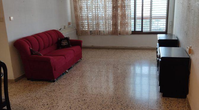 3 חדרים,מרווחת,מעלית וחניה ברחוב דוד רזיאל, רמת הנשיא, בת ים