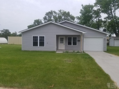 1205 Nevada, Marshalltown, Iowa 50158, 2 Bedrooms Bedrooms, ,1 BathroomBathrooms,Residential,For Sale,Nevada,35017027