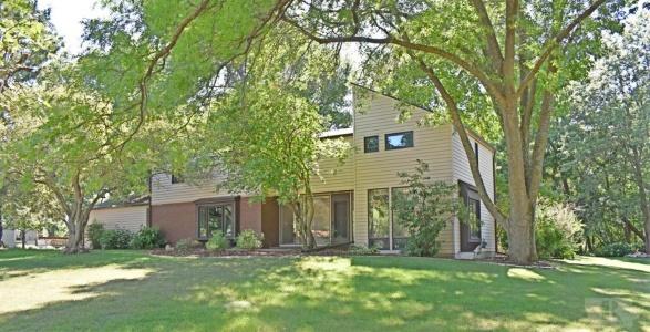1909 Stratford, Marshalltown, Iowa 50158, 5 Bedrooms Bedrooms, ,Residential,For Sale,Stratford,35017413