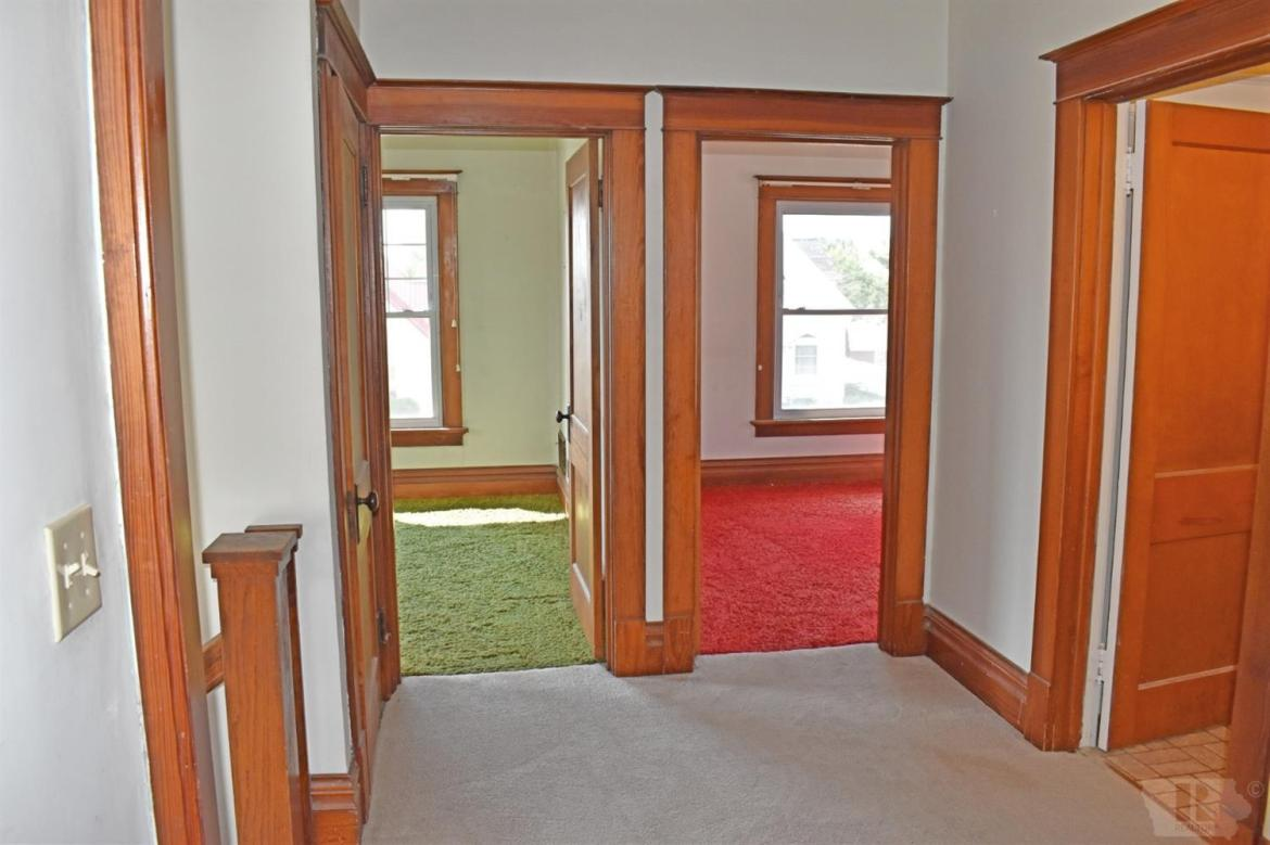 109 7th, Marshalltown, Iowa 50158, 4 Bedrooms Bedrooms, ,1 BathroomBathrooms,Residential,For Sale,7th,35017611
