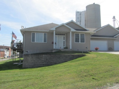 206 Walnut Street, Traer, Iowa 50675, 2 Bedrooms Bedrooms, ,1 BathroomBathrooms,Residential,For Sale,Walnut Street,35017648
