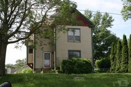 1015 1st, Newton, Iowa 50208, 3 Bedrooms Bedrooms, ,Residential,For Sale,1st,35017667
