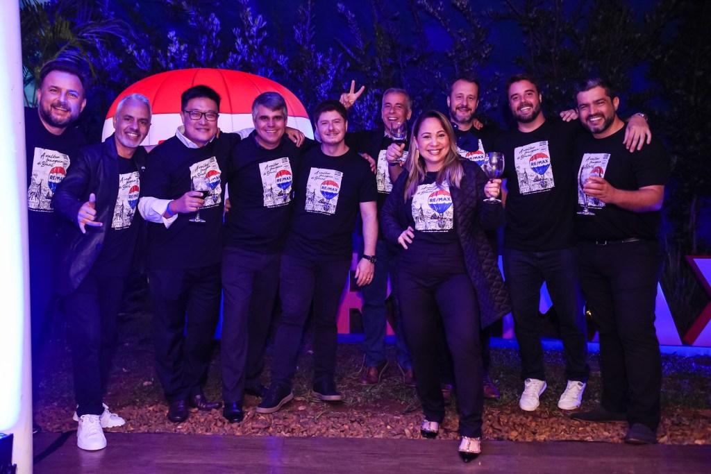 REMAX Brasil conquista prêmio de Franquia do Ano pela revista Pequenas Empresas Grandes Negócios comemoração