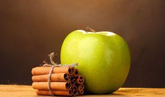 Puedes Perder Peso con Agua de Canela y Manzanas Verdes
