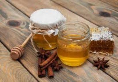 beneficios de canela molida con miel