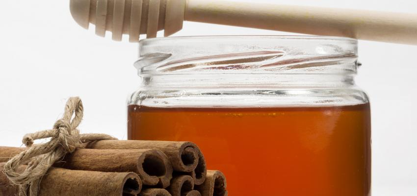 Beneficios de la canela con miel