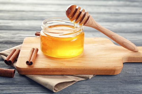Infusión de Canela y Miel Para Perder Peso
