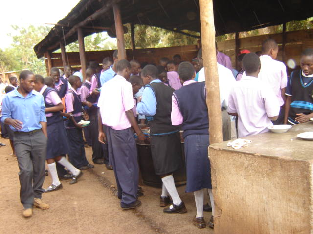 Lunch time for the high school students (at the school's outdoor kitchen)