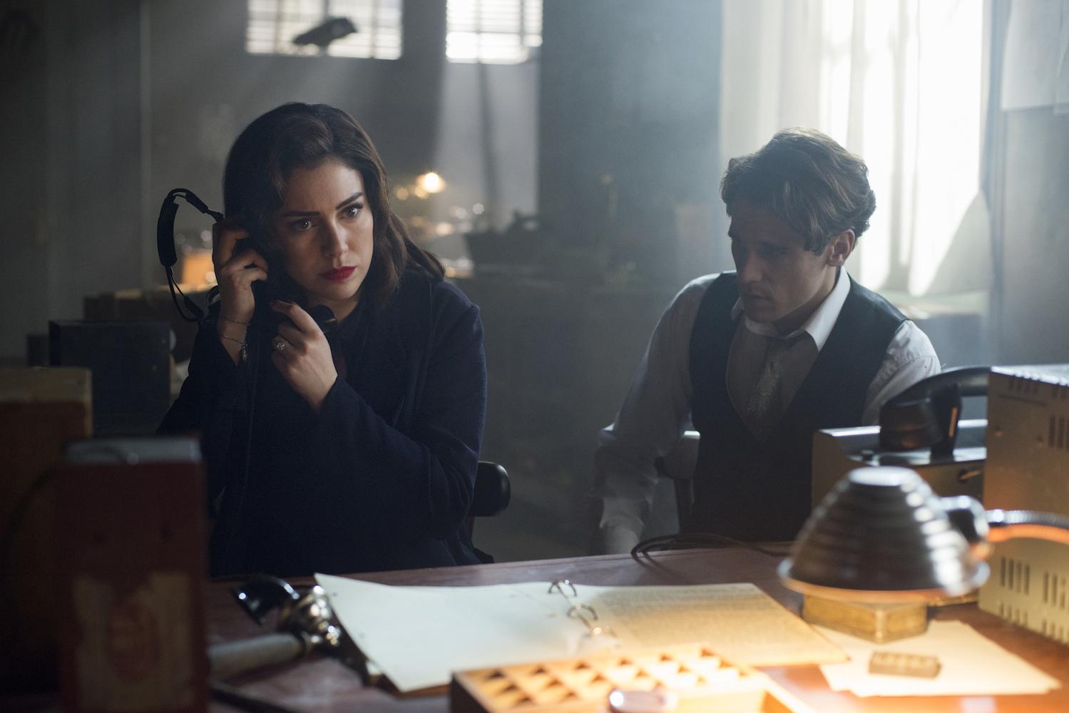 Trailer for Netflix 'Las Chicas del Cable' Season 3 Promises High Drama