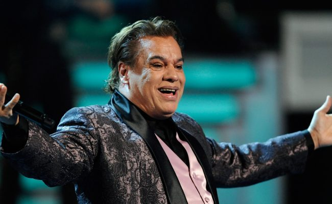 Juan Gabriel S Ex Manager Claims The Singer Is Alive