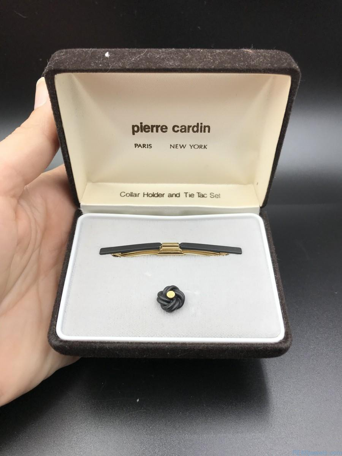 Pierre Cardin Collar Holder Knot Design Tie Tac Set