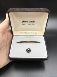 Pierre Cardin Collar Holder Knot Design Tie Tac Set