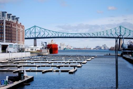 Port de plaisance à la fin de l'hiver, Montréal, mars 2010.