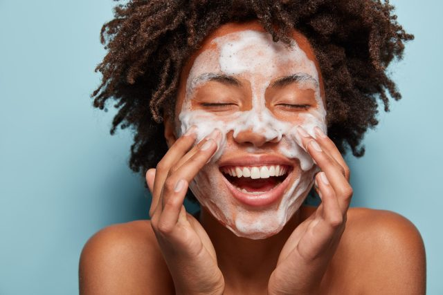 Facial Cleanser Summer Skincare tips