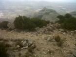 Les fites per agafar la senda en el coll nord de la Mullonera