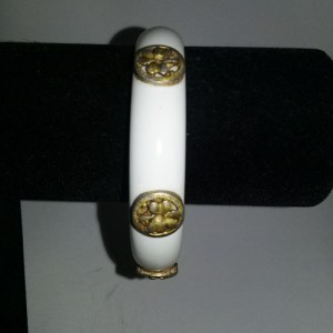 lucite bracelet medallions gold white bangle mid century 60s-the remix vintage fashion