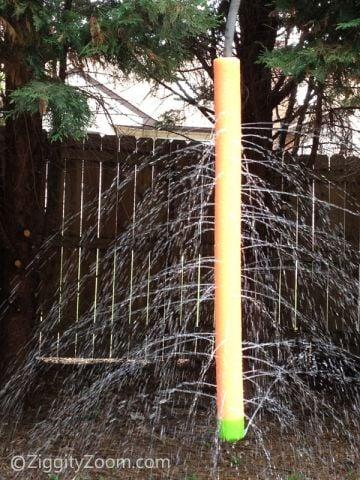 tipsaholic-pool-noodle-sprinkler-ziggity-zoom