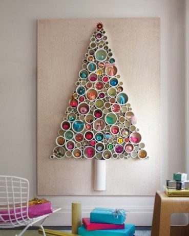 Need some Christmas DIY inspiration. Find it with these 10 Clever Christmas Decor Ideas - Tipsaholic, #Christmas, #decor, #holidays, #christmasdecor, #decorations, #DIY