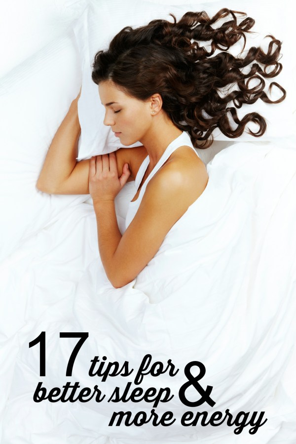 Everybody wants more sleep, but sometimes it can be so hard to get enough sleep that you feel refreshed all day. Here are some tips for better sleep! 17 tips for better sleep and more energy via @tipsaholic. #sleep #sleeping #bettersleep #energy #health