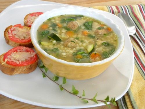 Feeling cold during the fall and winter seasons? Warm up your tummy with a delicious soup! Try all of these 15 great soup recipes during this cold season via @tipsaholic #soups #recipe #soup