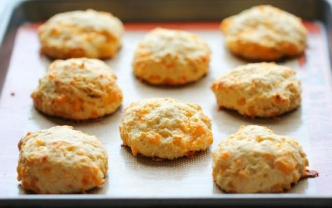 red lobster cheddar bay biscuits copycat bread recipe