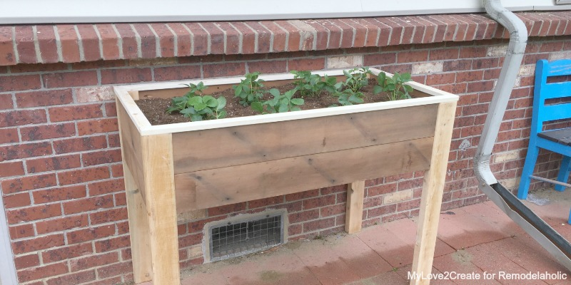 Diy Elevated Desk Remodelaholic | Build An Elevated Planter Box (and Save