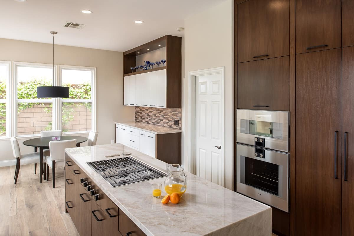 kitchen island or peninsula which is