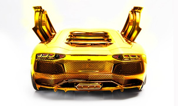 gold-platinum-and-diamond-encrusted-lamborghini-aventador-lp-700-4-model_100372517_m